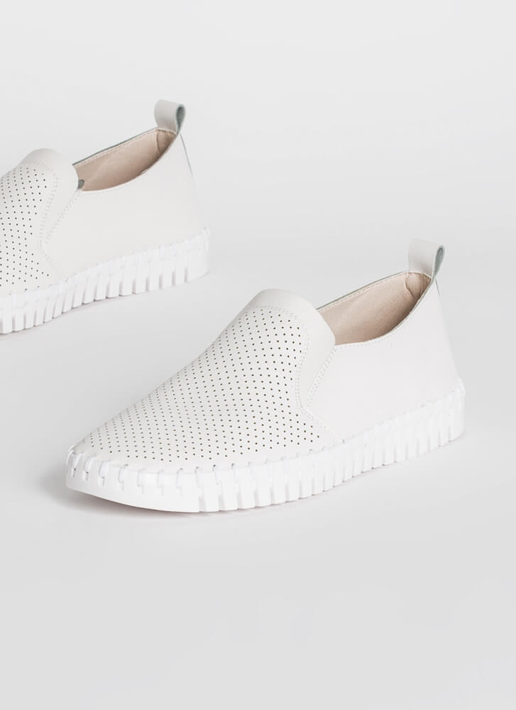 Bricklayer Faux Leather Slip-On Sneakers CREAM