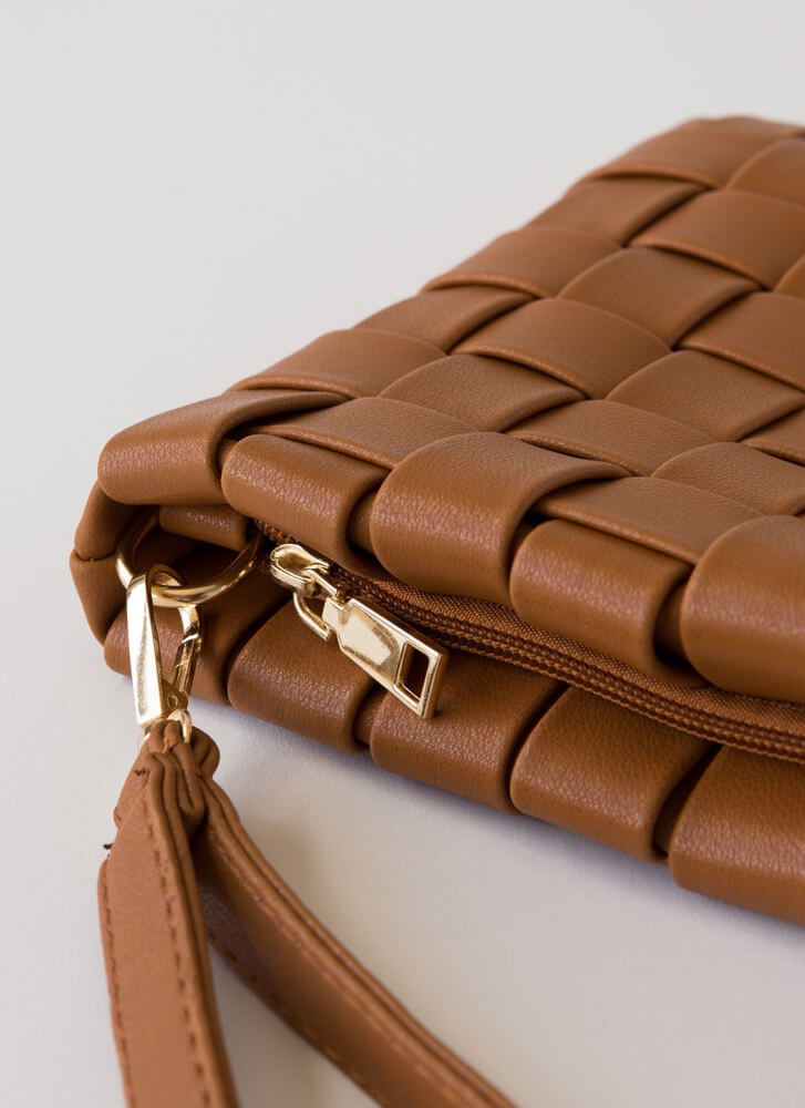 Chic For Yourself Woven Clutch BROWN