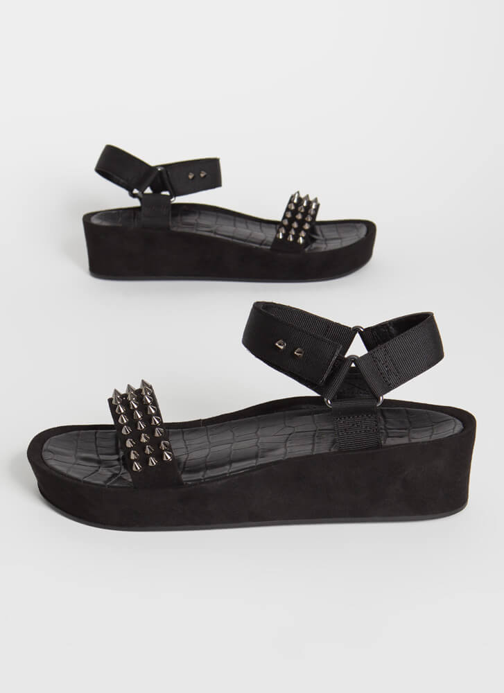 Seeing Spikes Studded Wedge Sandals BLACK