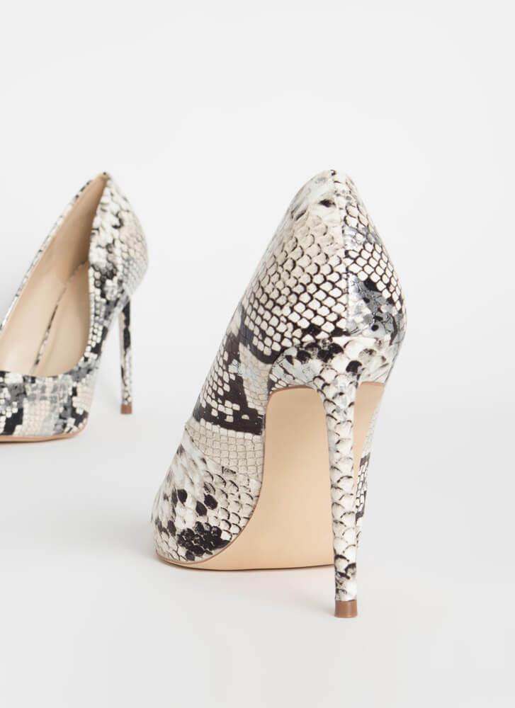 Snake Out Pointy Stiletto Pumps SILVER