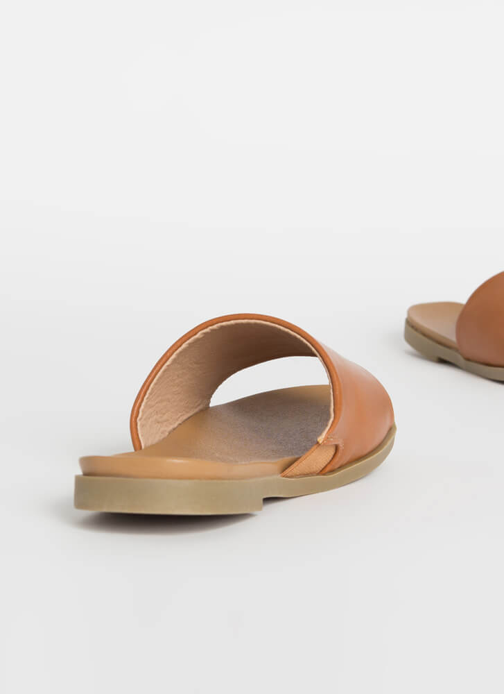 Going On Vacation Slide Sandals WHISKY