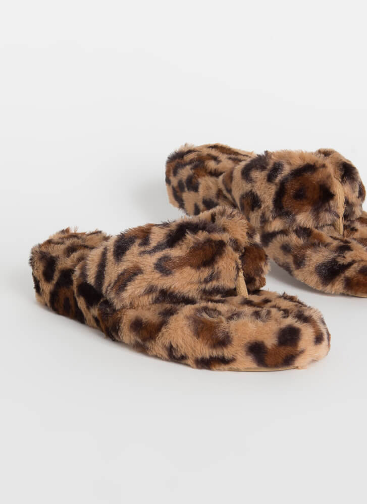 Head In the Clouds Furry Thong Sandals LEOPARD