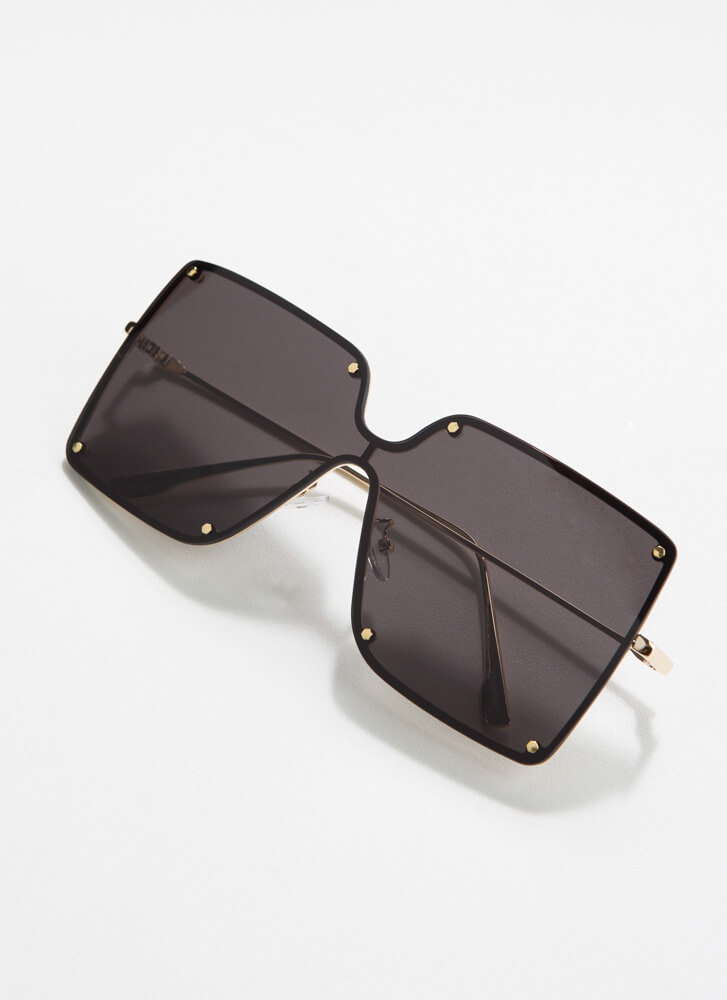 Class By Itself Squared Sunglasses BLACK