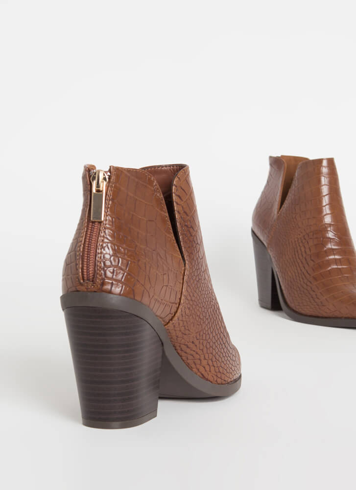 Notch Out Chunky Faux Crocodile Booties BROWN