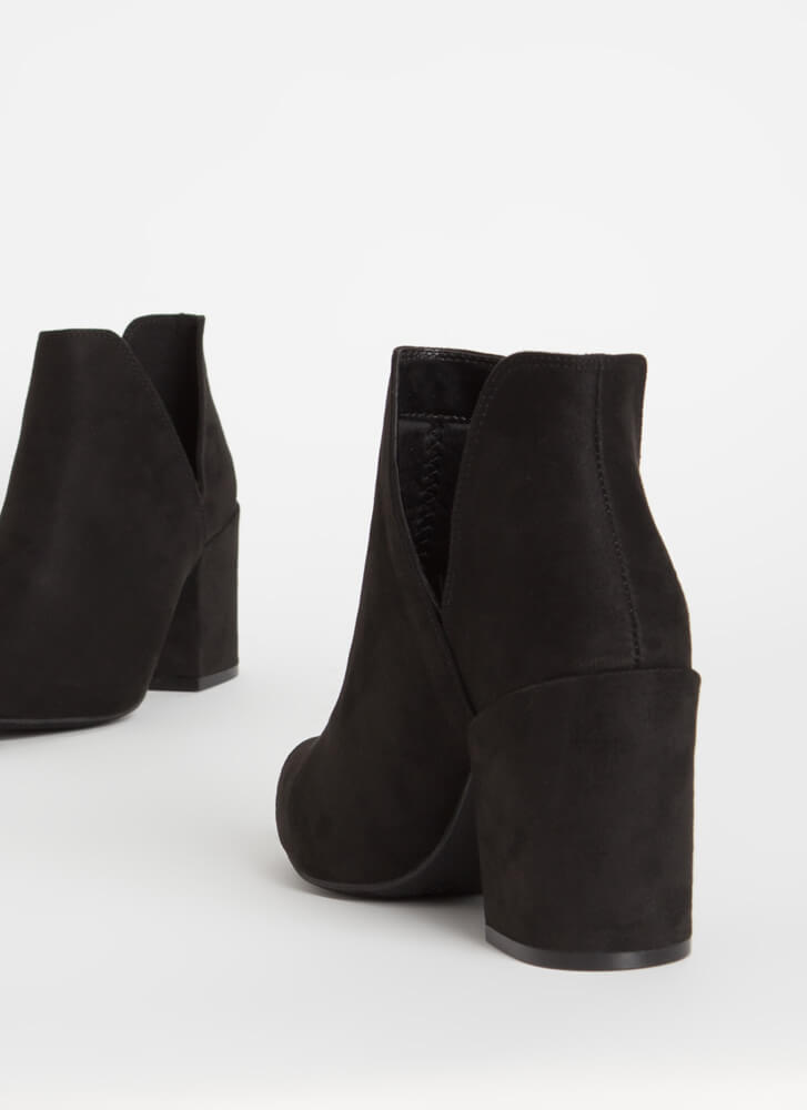 Top Notch Cut-Out Block Heel Booties BLACK