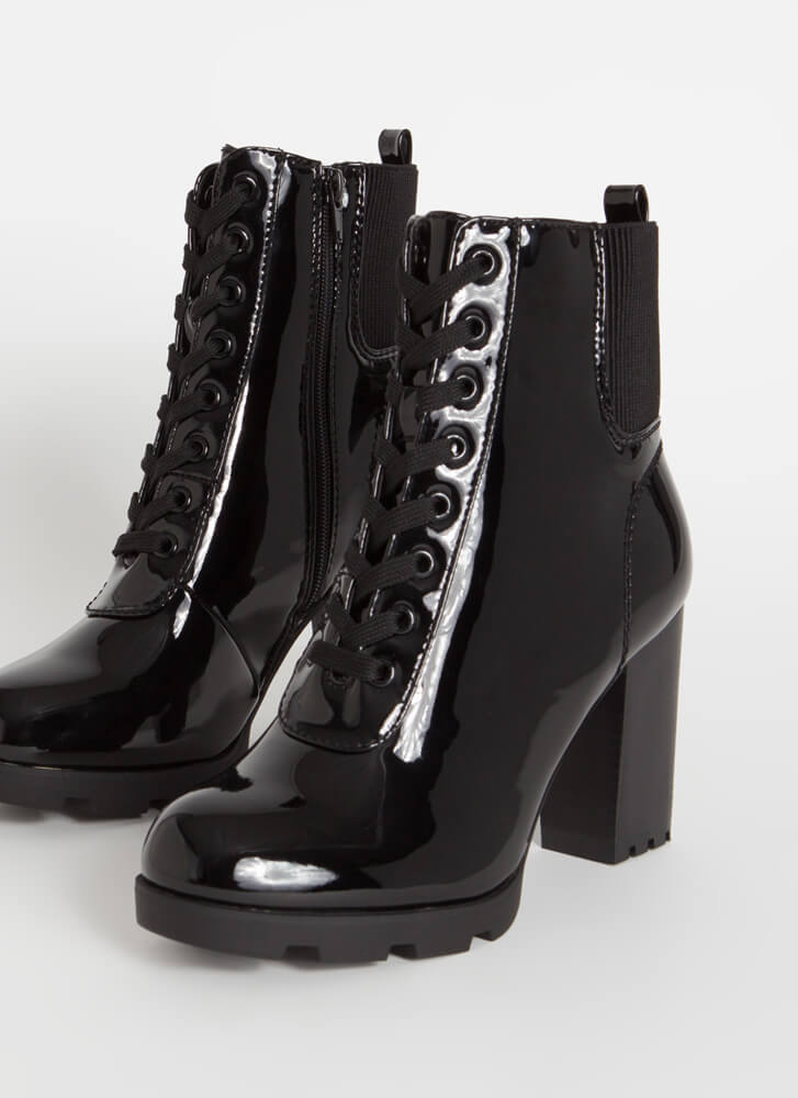 Signature Look Chunky Lace-Up Booties BLACK