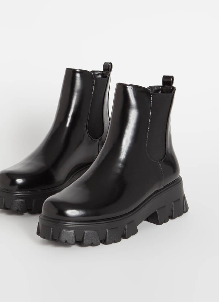 Heavy Duty Lug Sole Chelsea Boots BLACK