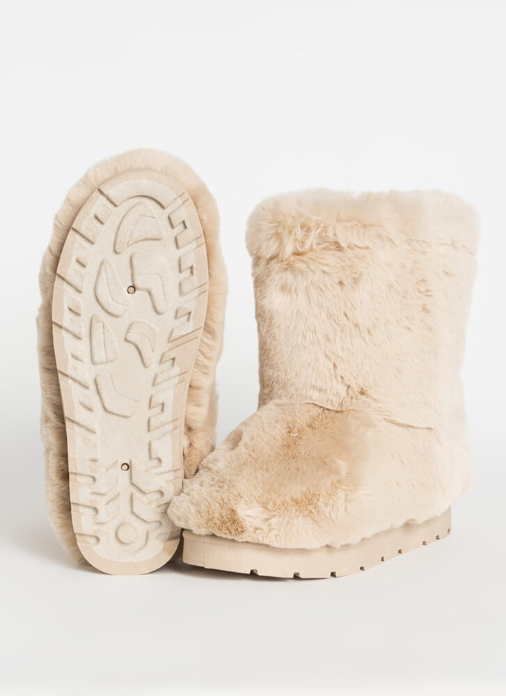 Cold Comfort Short Chunky Faux Fur Boots BEIGE