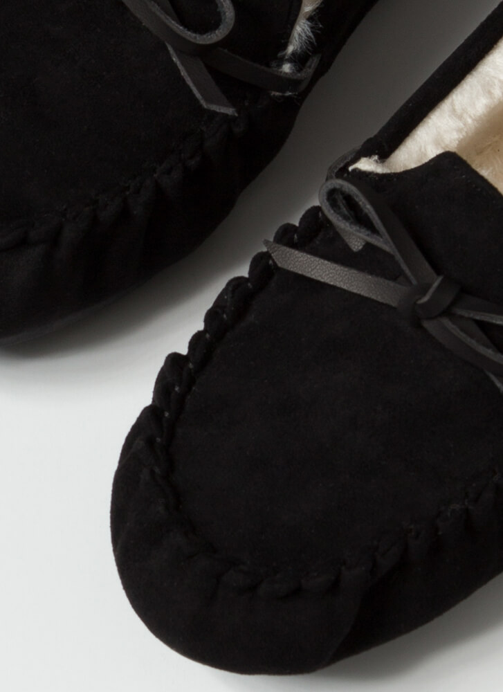 Bow For A Walk Trimmed Moccasin Flats BLACK