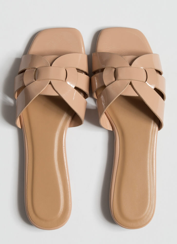 Pretty Feet Looped Faux Patent Sandals NUDE