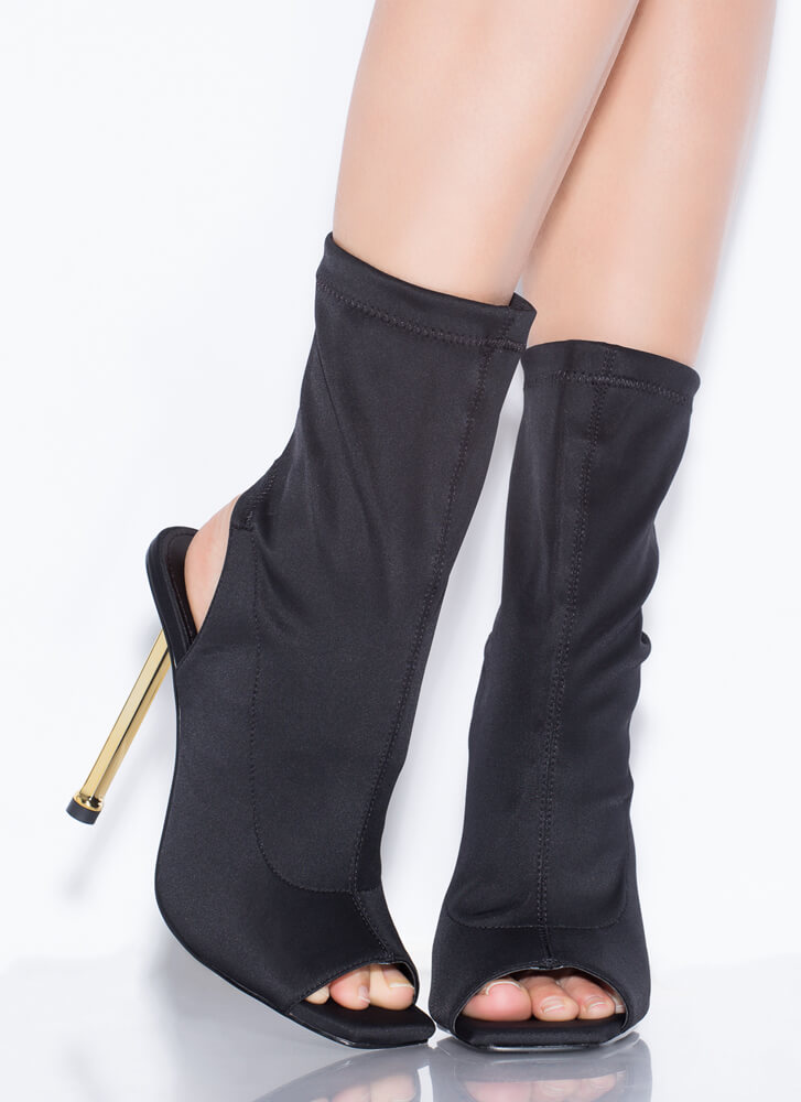 Time To Heel Cut-Out Peep-Toe Booties BLACK
