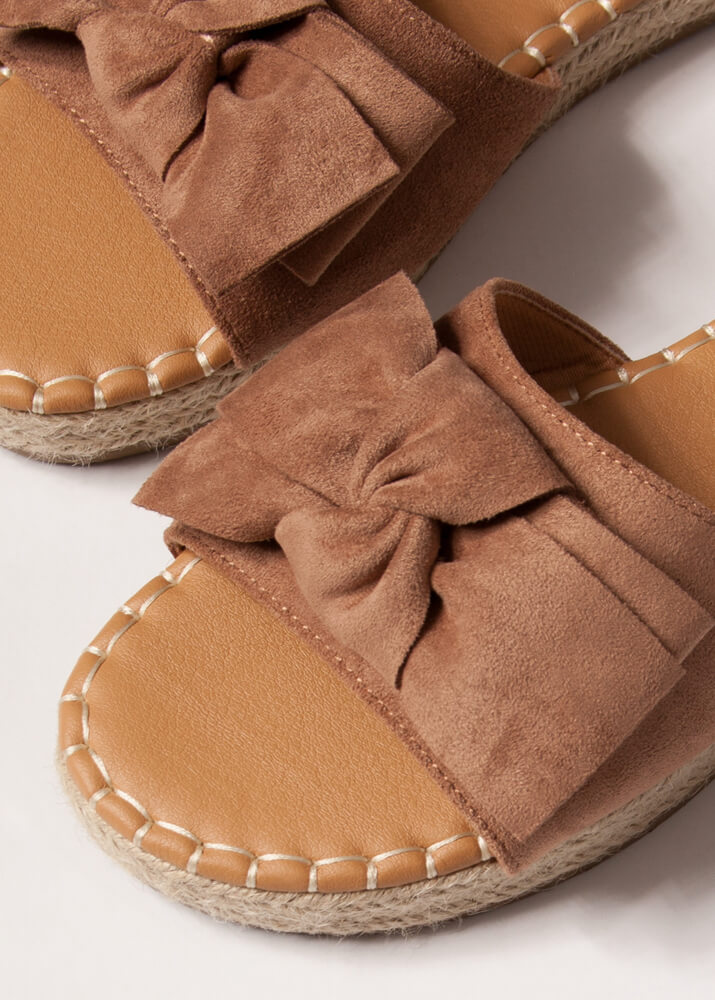 Bow With The Flow Braided Slide Sandals CAMEL