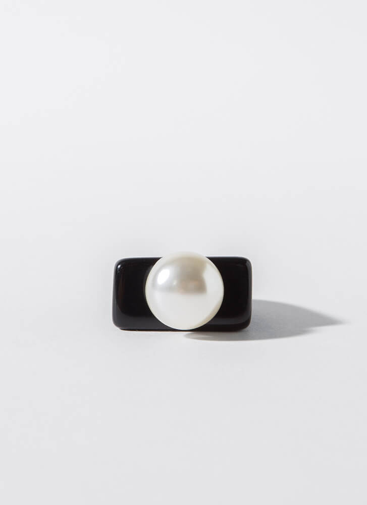 Both Worlds Chunky Faux Pearl Ring BLACK