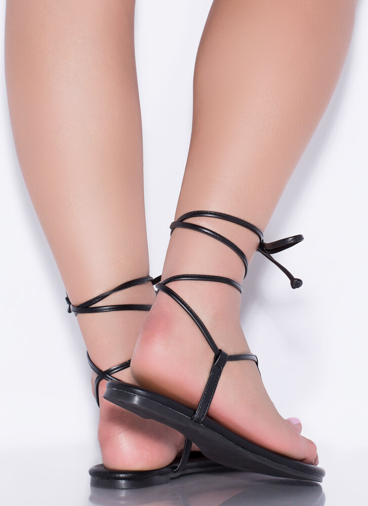 Fits Me To A T-Strap Lace-Up Sandals BLACK