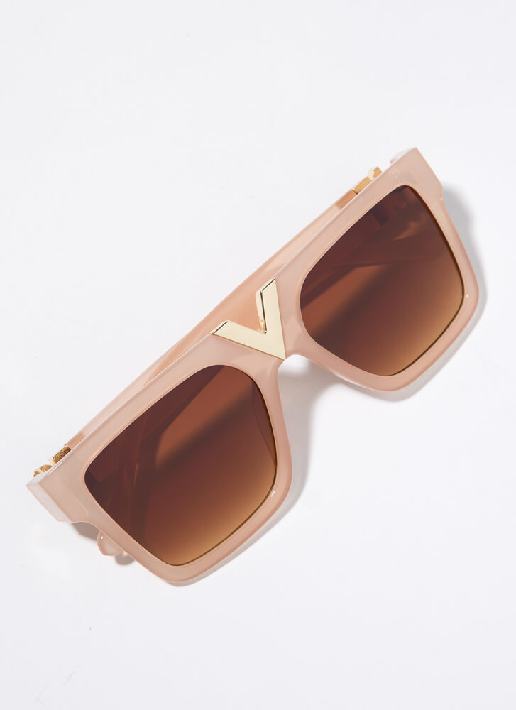 V Your Own Person Squared Sunglasses BEIGE