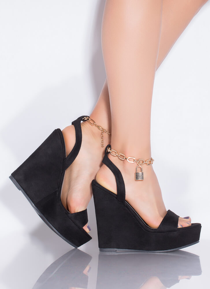 Under Lock And Key Chain Strap Wedges BLACK