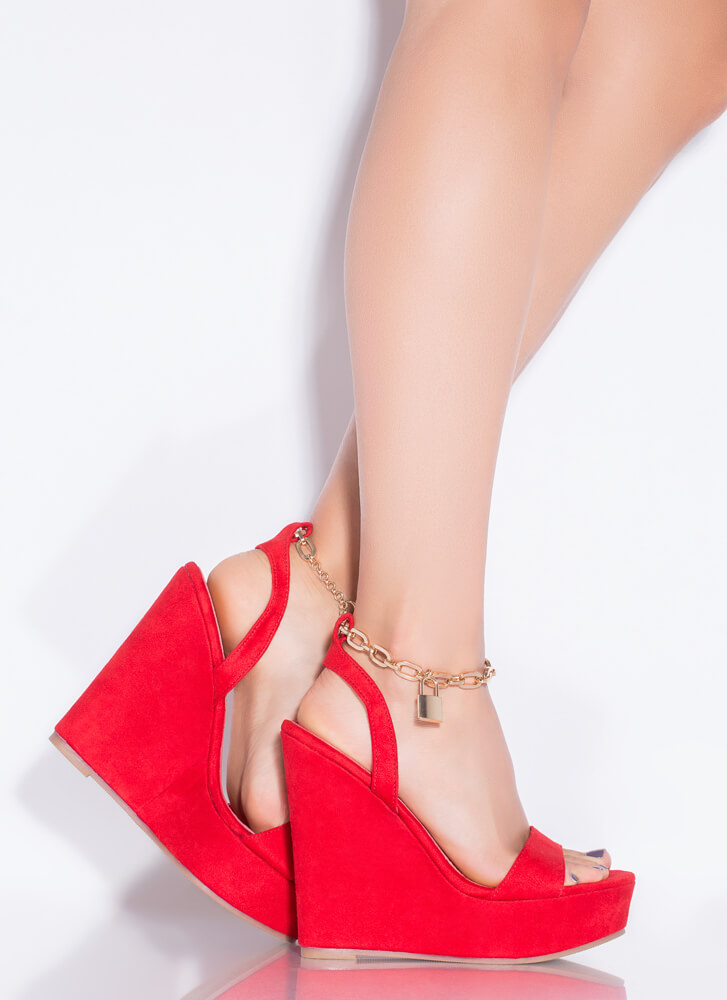Under Lock And Key Chain Strap Wedges RED