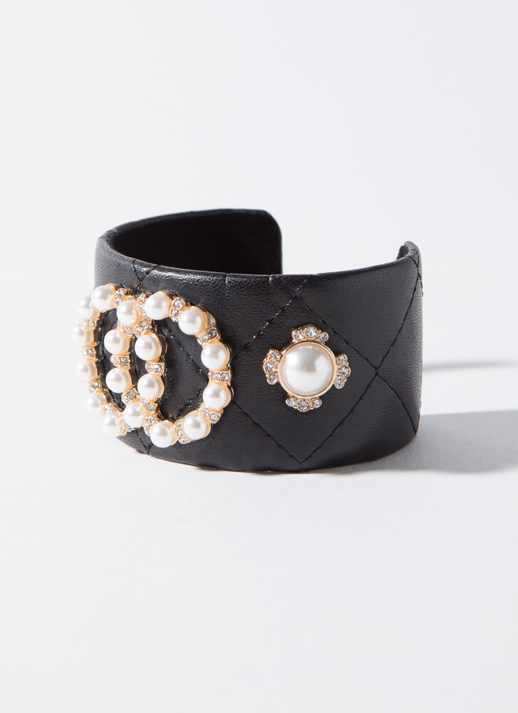 Edgy Girls In Pearls Faux Leather Cuff BLACKCREAM