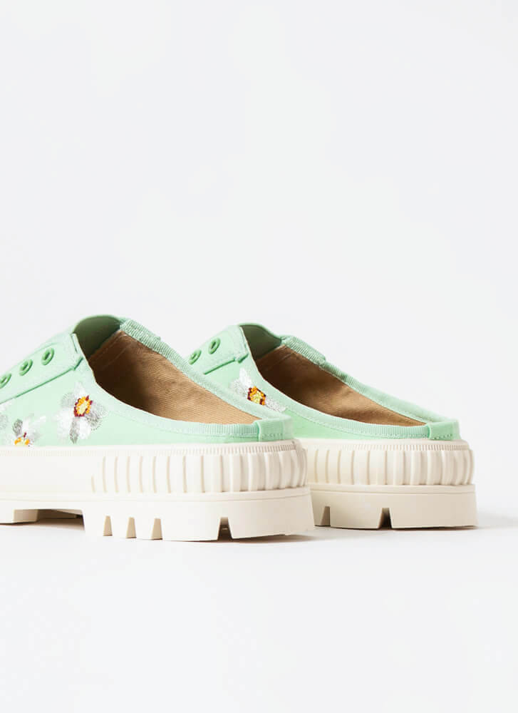 Embroidered Flowers Slip-On Sneakers APPLE