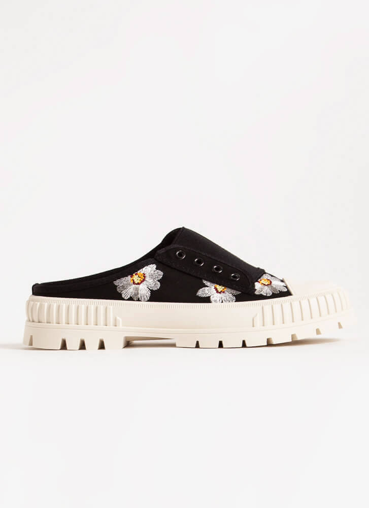 Embroidered Flowers Slip-On Sneakers BLACK