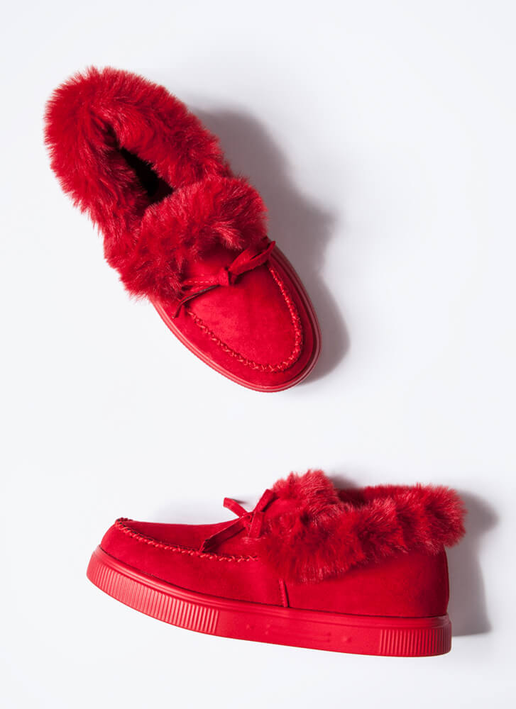 Bow Out In The Cold Furry Trim Moccasins RED