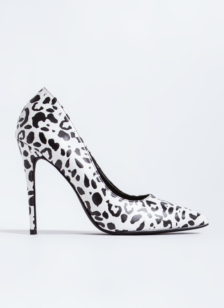 The Essential Pointy Leopard Pumps BLACKWHITE
