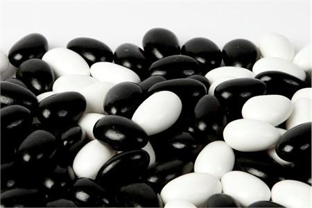 Black and White Tuxedo Jordan Almonds (1 Pound Bag)