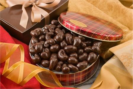 10oz Dark Chocolate Covered Cashews