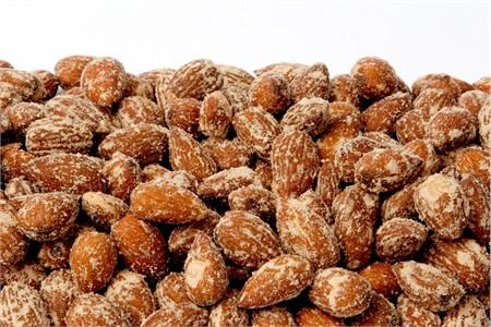 Hickory Smoked Almonds (1 Pound Bag)