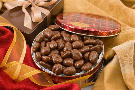 10oz Milk Chocolate Covered Pecans