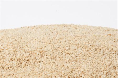 Organic Hulled Sesame Seeds (4 Pound Bag)