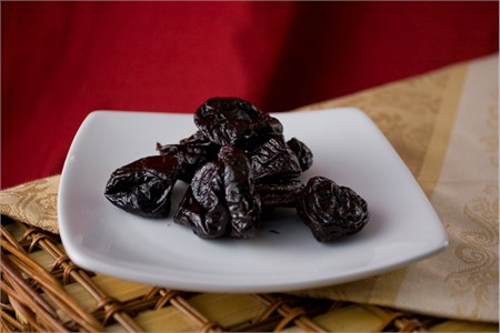 Pitted Plums (25 Pound Bag)