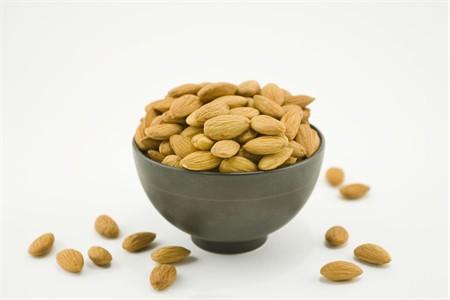 Raw 27/34 California Almonds (25 Pound Case)