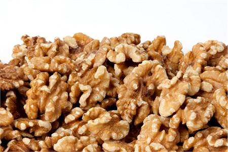 Raw Walnuts (1 Pound Bag)