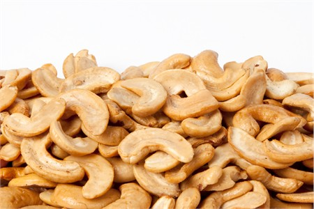 Roasted Cashew Halves (1 Pound Bag)