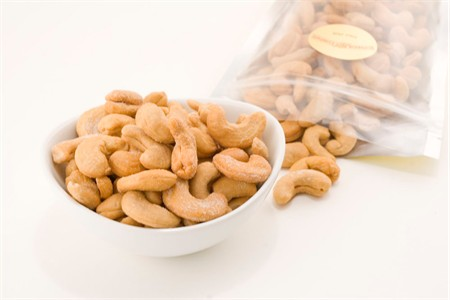 Giant Whole Cashews (8oz Bag)