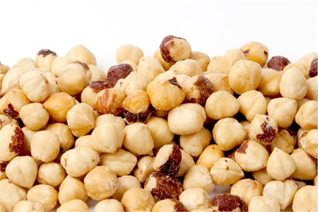 Roasted Turkish Hazelnuts / Filberts (1 Pound Bag)