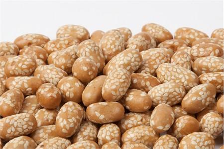 Sesame Peanuts (25 Pound Case)