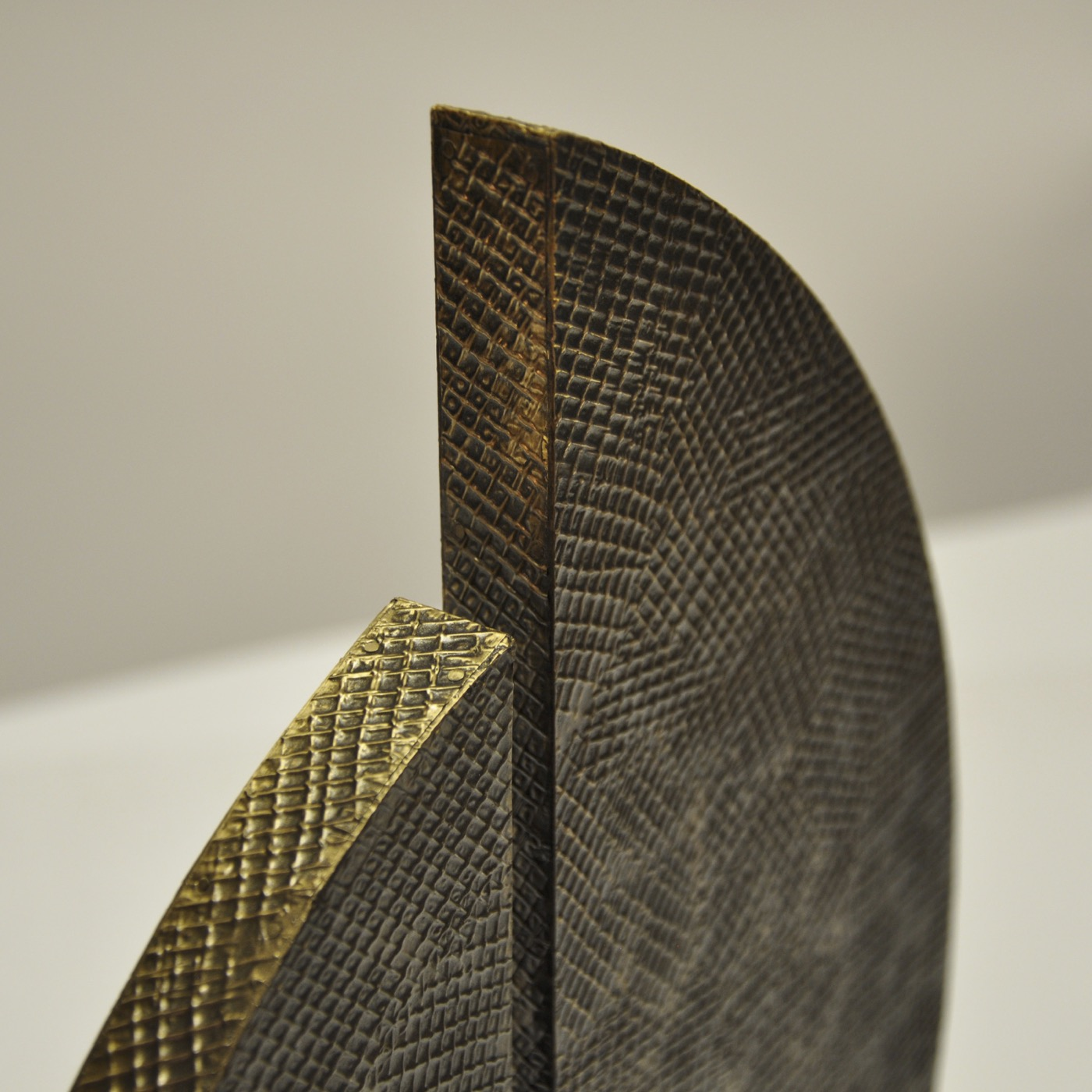 Fronda Sculpture | Antique Brass