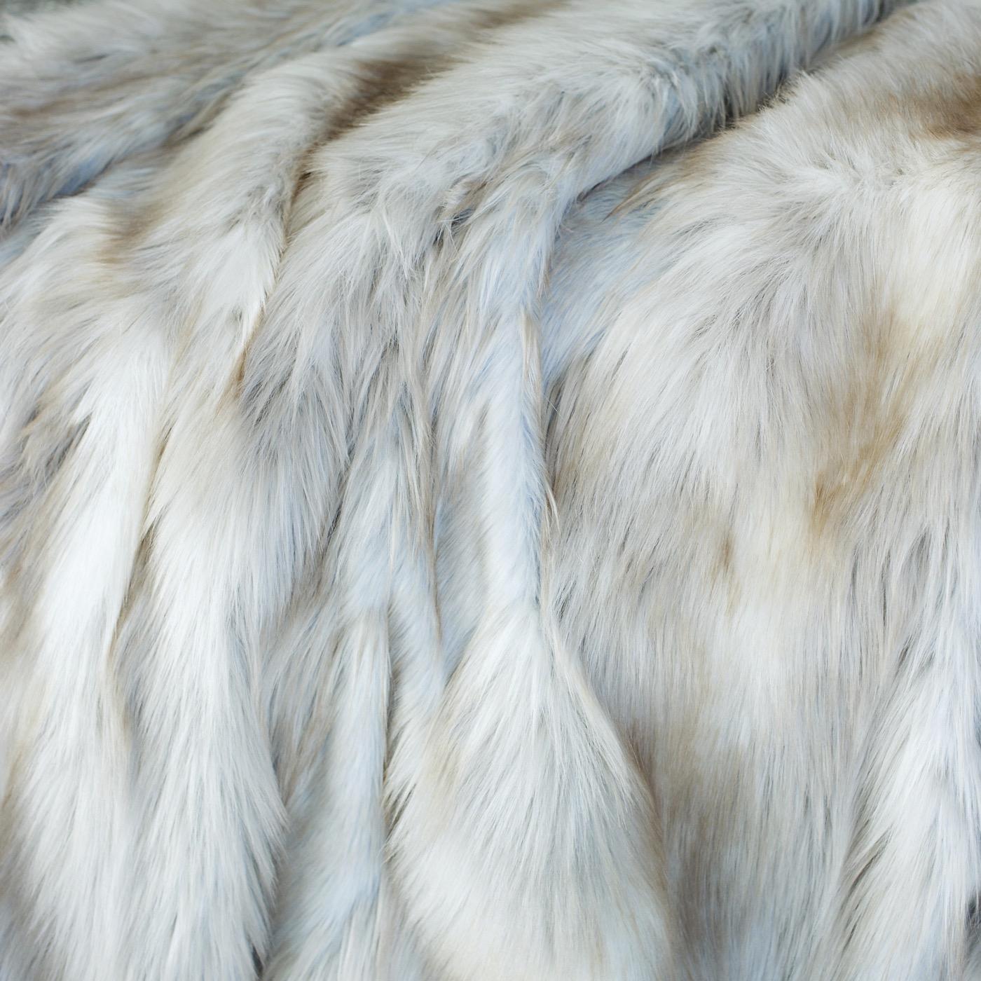 """Exotique """"Fur"""" Throw   Silvery Fox"""