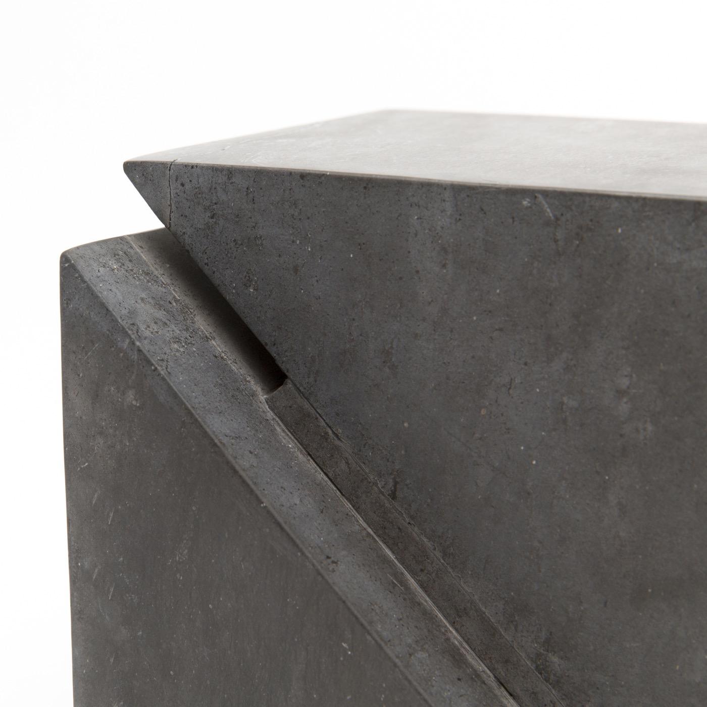 Hiro Geometric Object | Black Marble