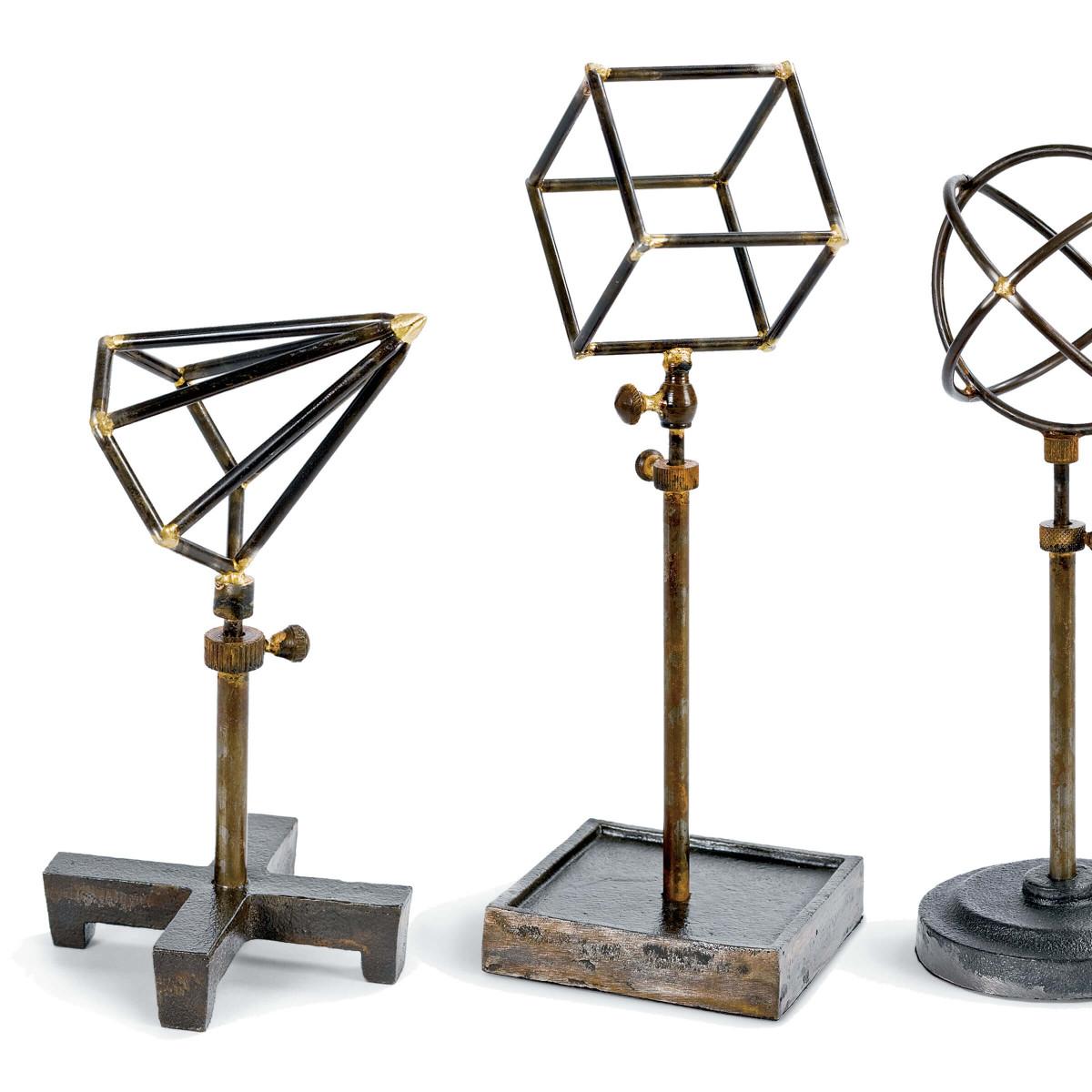 Lecture Iron Shape Sculptures Set