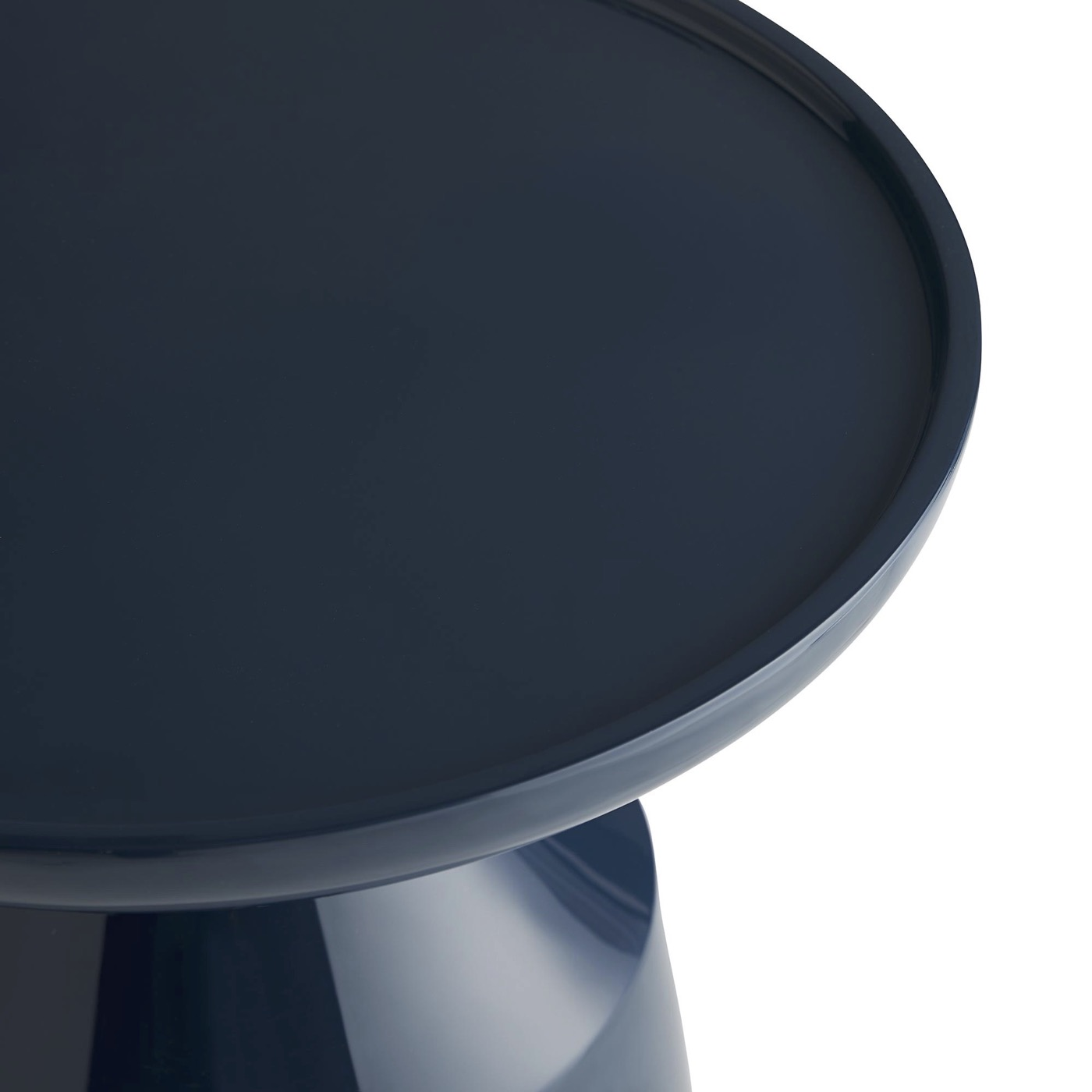 Turista Lacquer Side Table