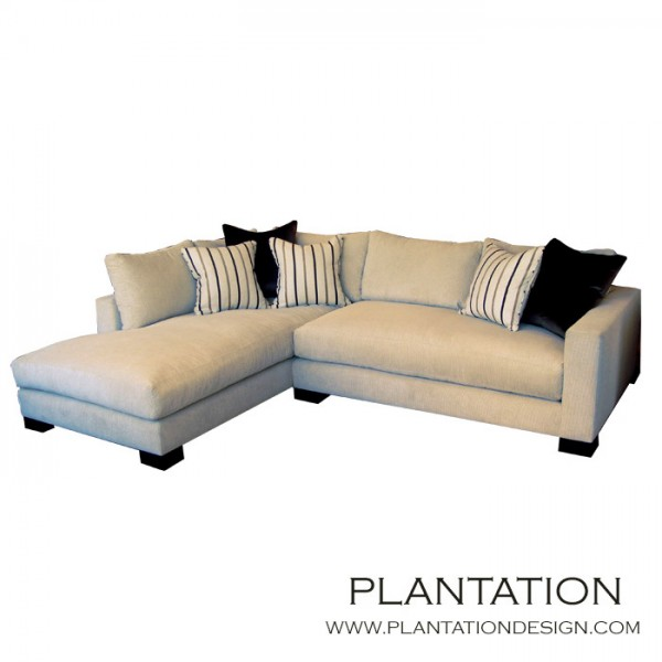 Studio Sectional w/Chaise